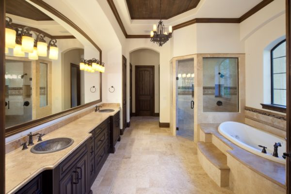 interior luxury home bathroom tub